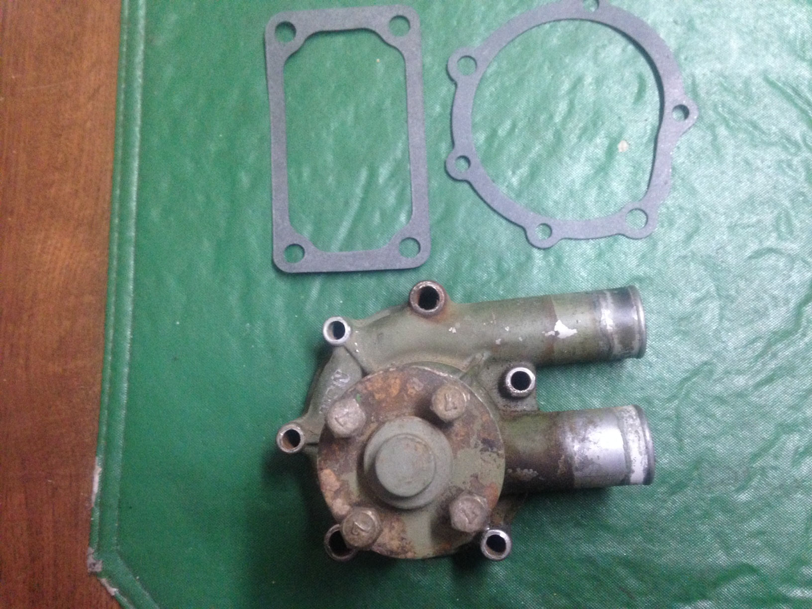 Water Pump ( Used ) JD850,950,1050